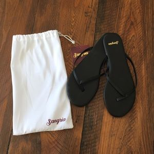 Black leather sandals, 9